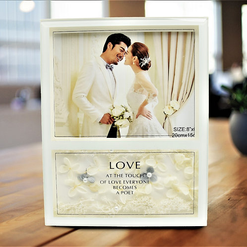 """Exclusive """"Love"""" Photo Frame with Beautiful Flower Look (10x8)"""