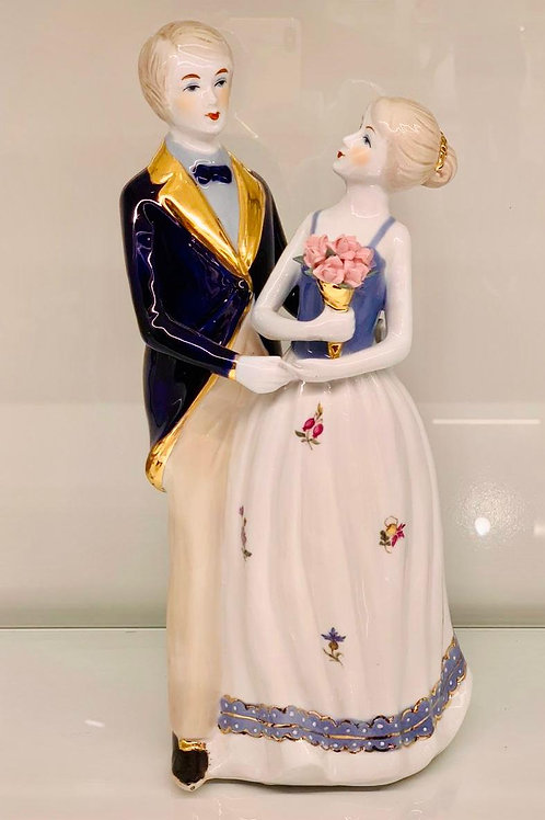 High Quality Couple Showpiece
