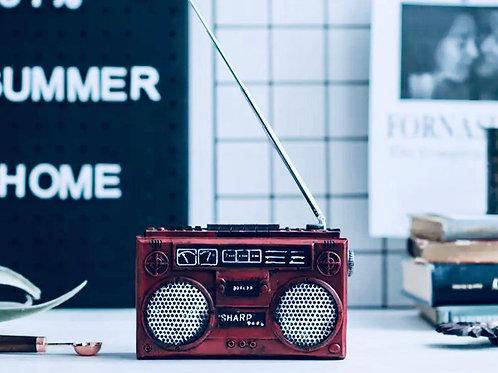 Retro Radio Showpiece