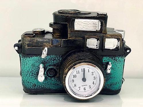 Vintage Camera Showpiece with Clock
