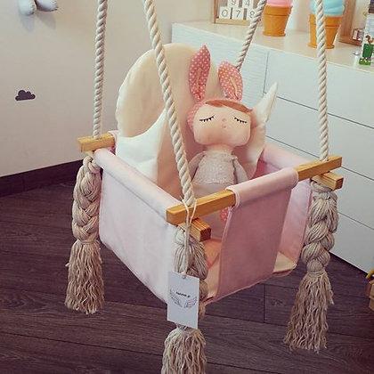 Balançoire d'intérieur pour petit rêveur