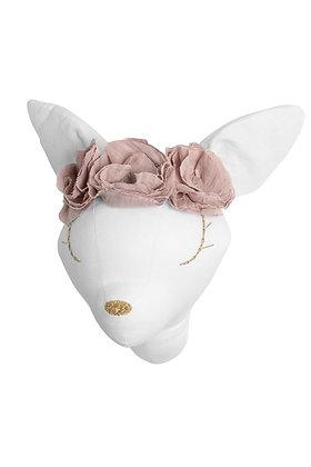Éos la jolie biche et sa couronne de fleurs Blanche