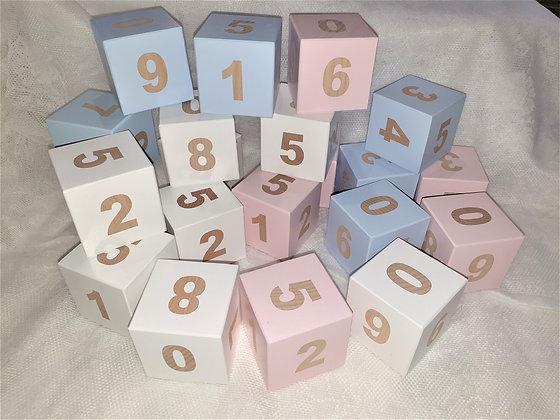 Gros cube de Bois Chiffres lot de 2