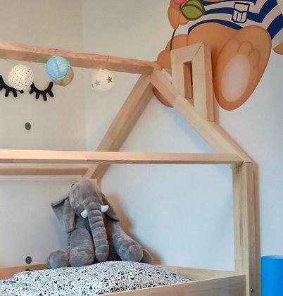 Pan de toit + cheminée pour lit Maison