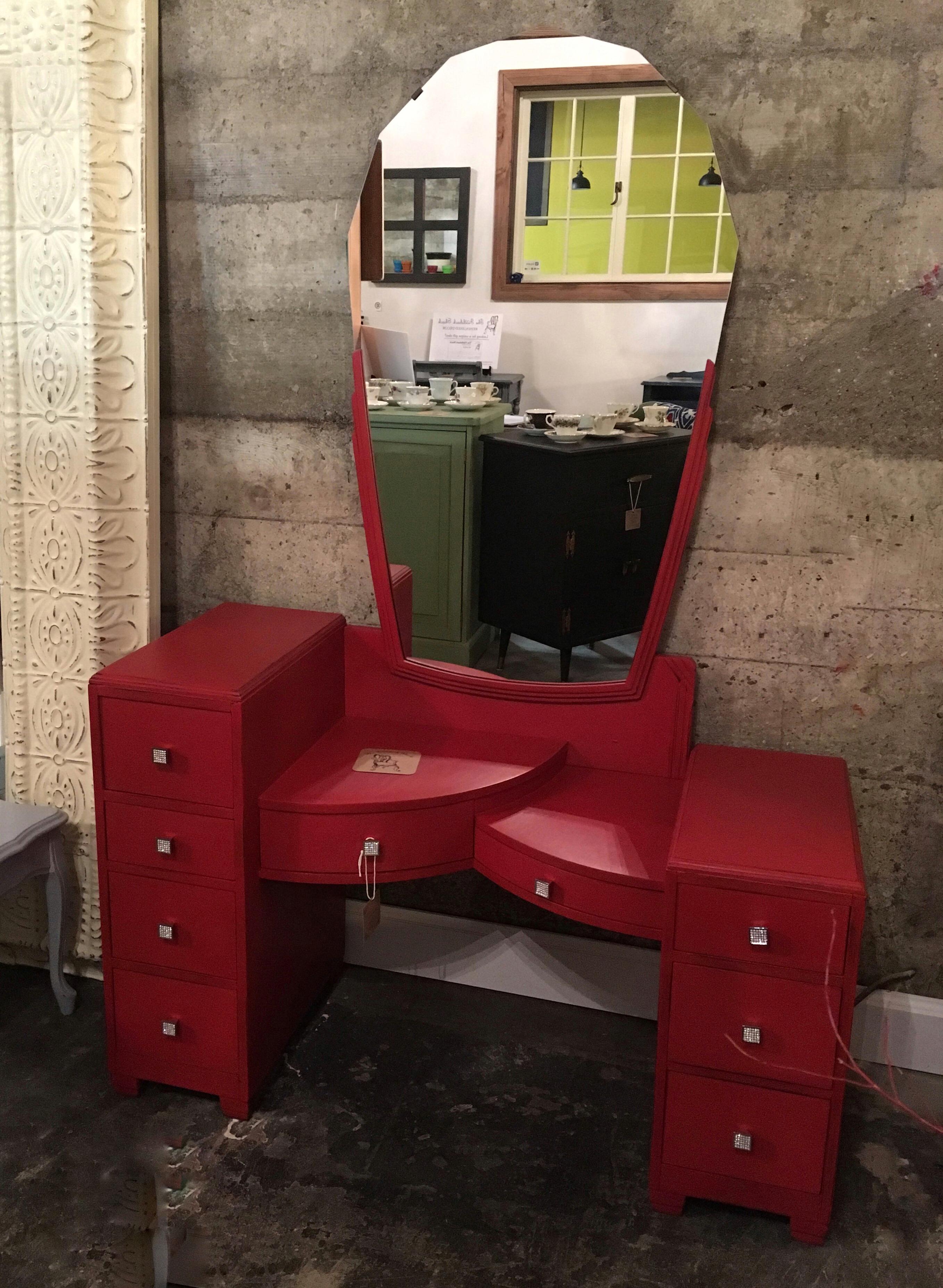 Deco Vanity