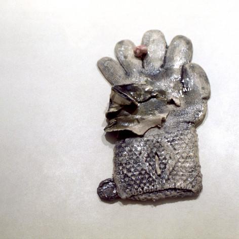 Glove & Chewing Gum