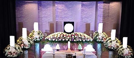 葬儀の祭壇風景