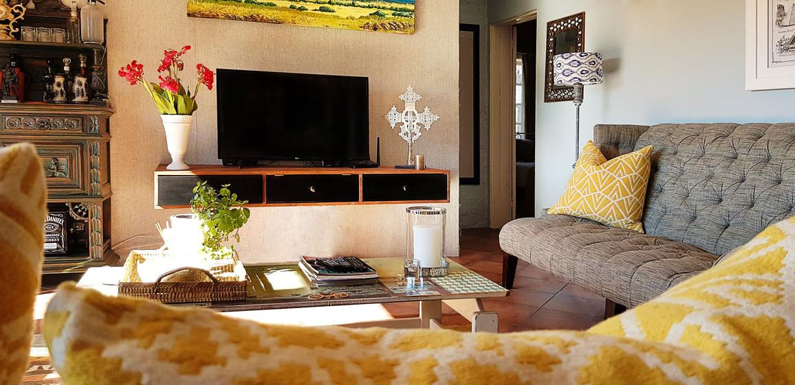 Weekend home lounge