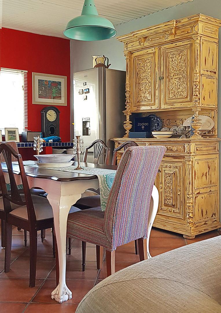 Weekend Home Dining room