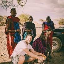 14905929770001Famille maasai rencontre, eco tourisme, Lac Natron, Tanzanie