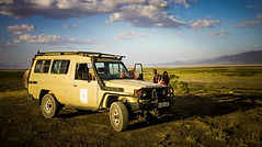 You can join Maasai Giraffe Eco Lodge by car, by bus or by bike. It is located in Northern Tanzania, facing the Ol Doinyo Lengai volcano, near Lake Natron. We offer an eco camp with camping and self-contained room. We stand for fair and sustainable tourism. Close to the Serengeti, Ngorongoro and Tarangire parks. Many activities are available: safaris, treks, volcano climbing, cultural encounters, immersion in a Maasai family, visit of a Maasai village, Maasai barbecue. Close to pink flamingos, zebras, giraffes.