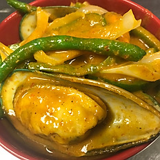 Green Mussels in Coconut Curry Sauce 泰式咖喱青