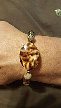 Tortoise beaded bracelet.jpg