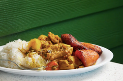 Curried Chicken, White Rice & Plaintain