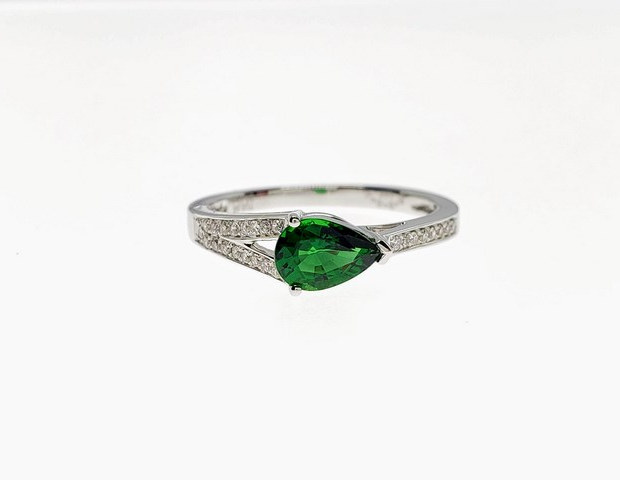 PRD14 - 14W PEAR CHROME TOURMALINE