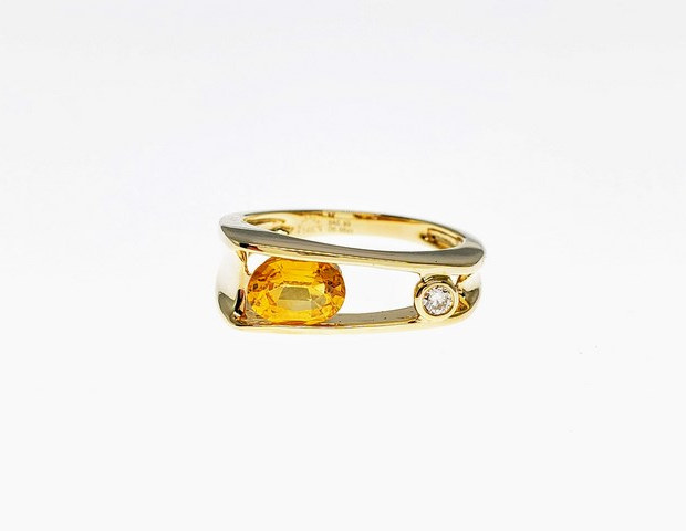 CRD04 - 14KY OVAL YELLOW SAPPHIRE
