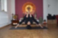 Alice Pedemonte ist Yoga Lehrerin und Yoga Expertin für Kundalini Yoga, Vinyasa Yoga und Yin Yoga in Stein am Rhein, Thurgau, Schaffhausen, Schweiz. Alice Pedemonte ist zusätzlich als Personal Trainer für Yoga, Business Trainer für Yoga, Yoga Coach für mehr Lebensfreude tätig. Sie praktiziert ausserdem als Yoga Therapeutin und Reiki Therapeutin. Mehr Informationen finden Sie auf www.surya-yoga-ayurveda.ch.
