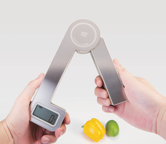 ±0 Battery-free Foldable Scale