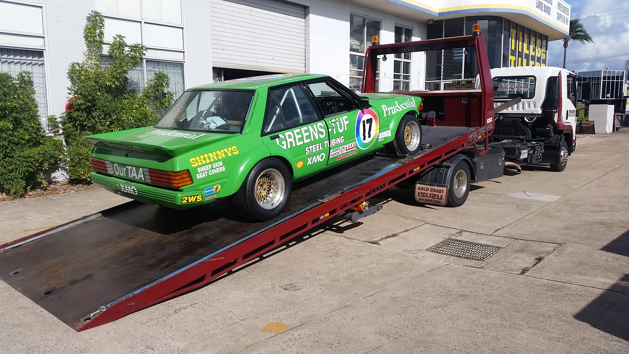 race-car-towing-gold-coast