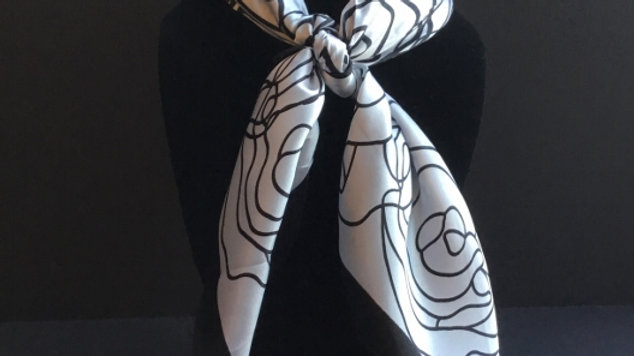 Black and White Floral Show Scarf