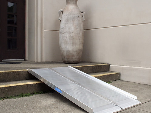 Folding Curb Ramp – Aluminum