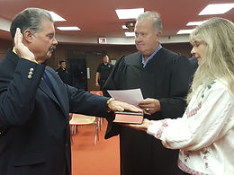 Frank Coughlin taking Oath for Mayor.jpg