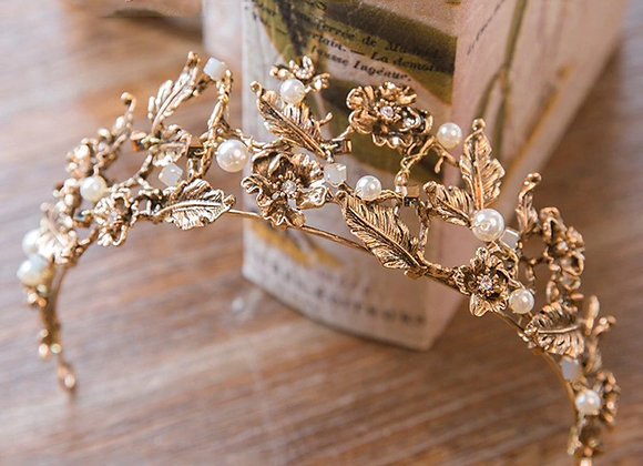 Vintage Style Gold Leaf Tiara