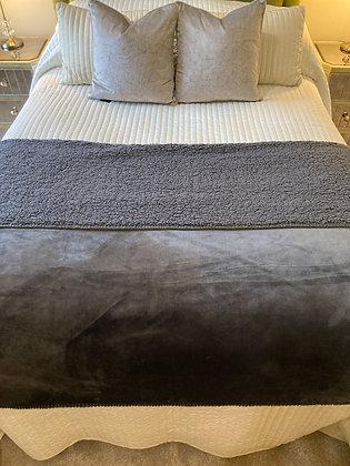 XL Soft Sherpa Throw Dark Grey