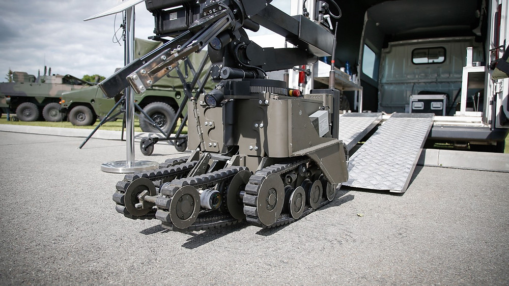 The U.S. Army Is Turning to Robot Soldiers- Bloomberg
