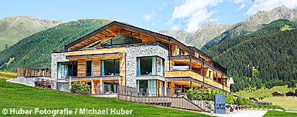 Chalet Salena_Alpenblick_S.jpg