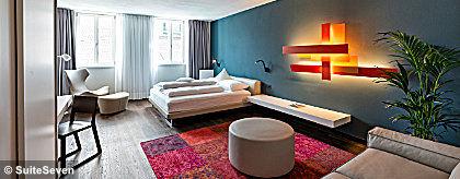 Suiteseven_portico_blau_room_S.jpg