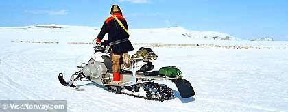 Schneemobil_Norwegen_S.jpg
