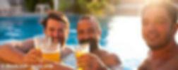gays_im_pool_mit_bier_S(1).jpg