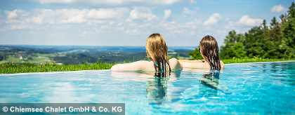 chiemsee-chalet-infinity-pool-view_S.jpg