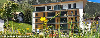 silva_peak_residences_im_sommer_S.jpg