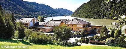 schloegen-hotelbeispiel_donau_S.jpg