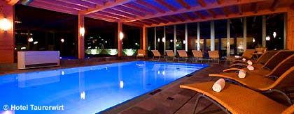 hotel_schwimmbad_S.jpg