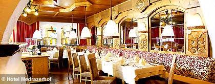 KR_medrazerhof_restaurant_S(1).jpg