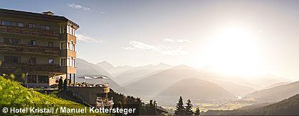 Hotel_Kristall_Panoramaansicht_S.jpg