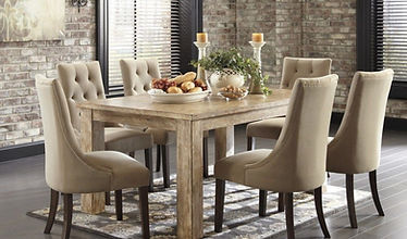 Dining Table Up to 4/ 6 Seats