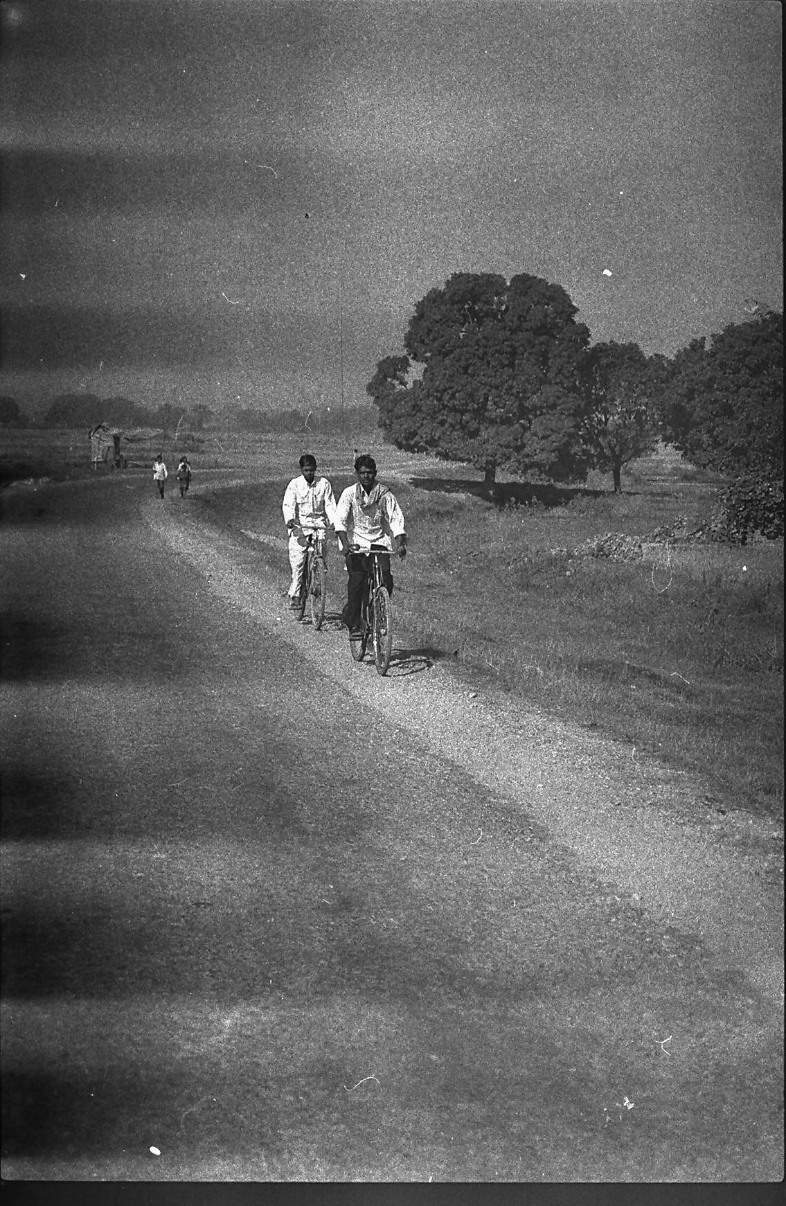 Nepal cyclists