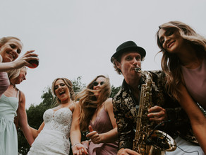 Kellie & Philip's awesome summer wedding party!