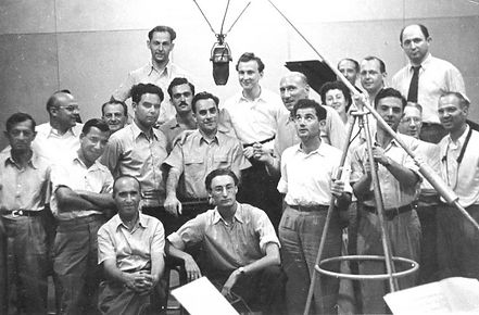 התזמורת-בימיה-הראשונים-סוף-שנות-ה-30-ללא