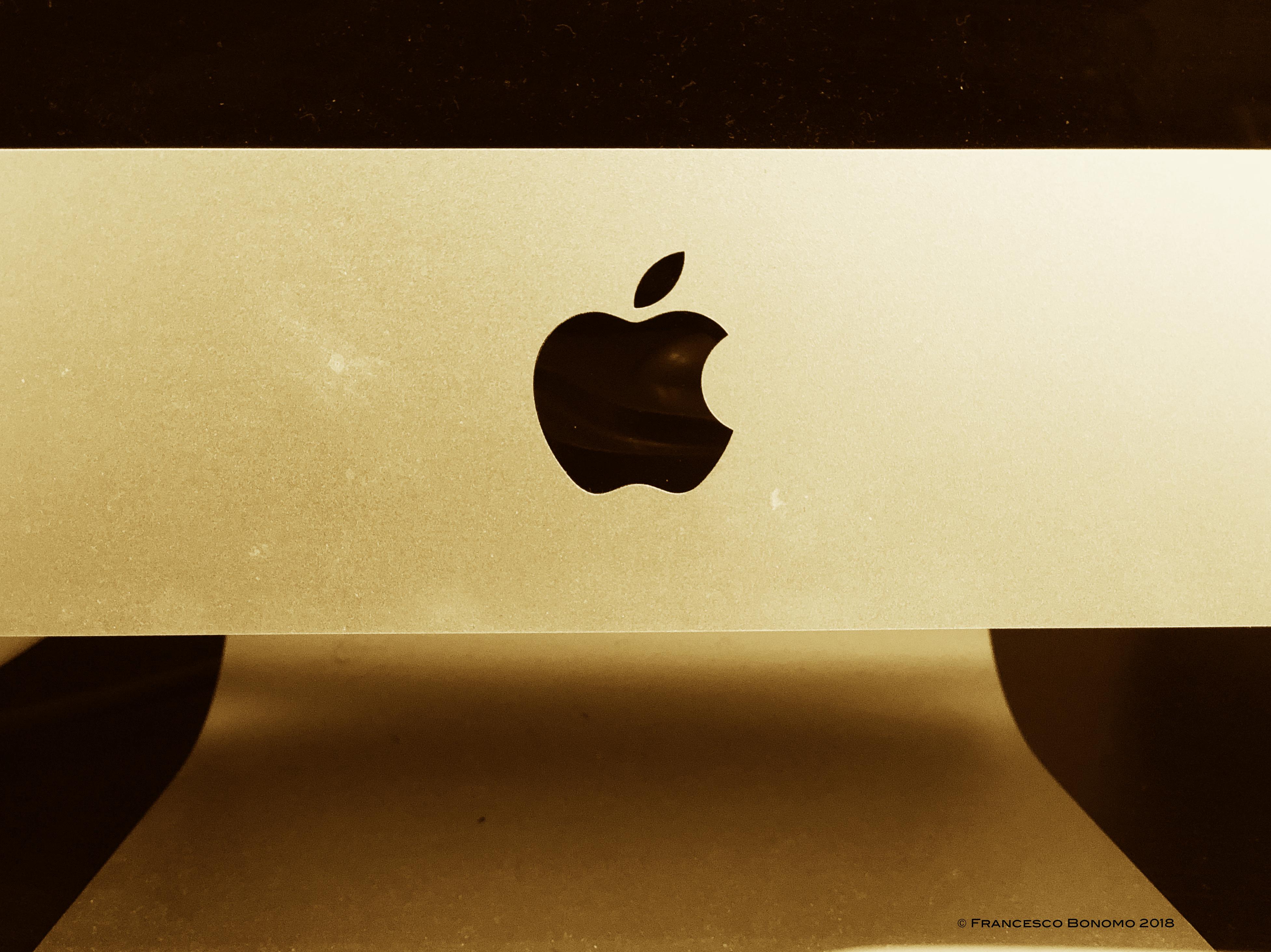 Mela Mac 1