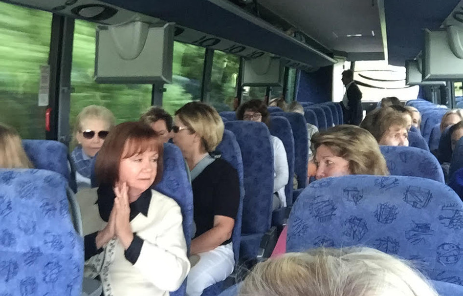 On the bus to visit Martha