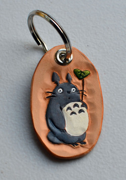 Totoro with Leaf keychain