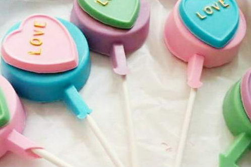 Love Oreo Lollipops