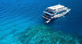 oceanquest-liveaboard-cert-dive-cairns.j