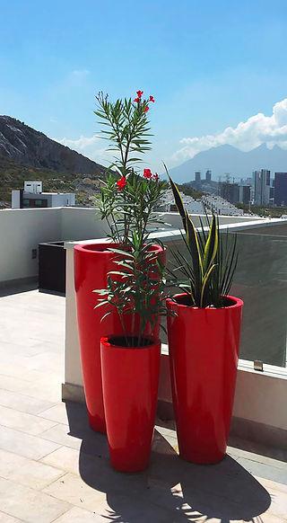 Maceta modelo Cilindro Cónico color rojo