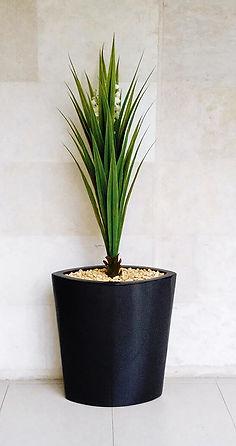 Maceta modelo Nilo color negro